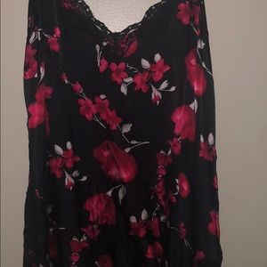 White House Black Market red floral blk satin cami